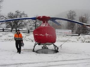Der Helikopter eingepackt und beheizt